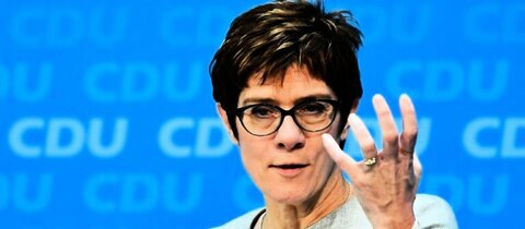 Kramp-Karrenbauer Ende Januar in Berlin