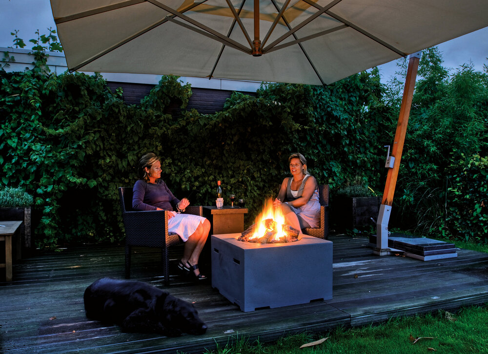 feuer f r terrasse und garten bauen wohnen. Black Bedroom Furniture Sets. Home Design Ideas