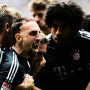 Zwar hatte Bayern Mnchen den Titel in der Fuball-Bundesliga schon lange sicher, der 4:3-Sieg ber Borussia Mnchengladbach am letzten Spieltag fhlte sich aber offenbar trotzdem gut an.